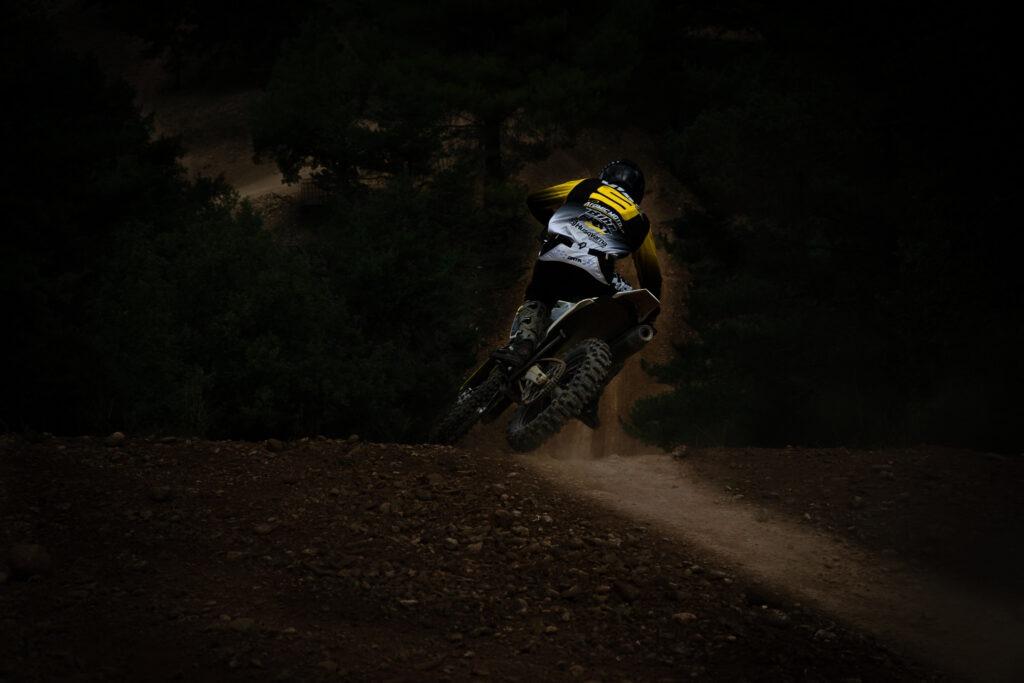 shooting photo motocross